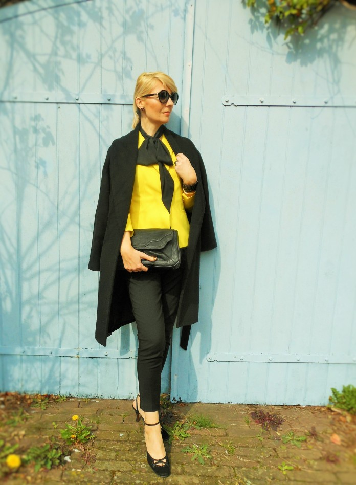 how to wear black coat fashion blog