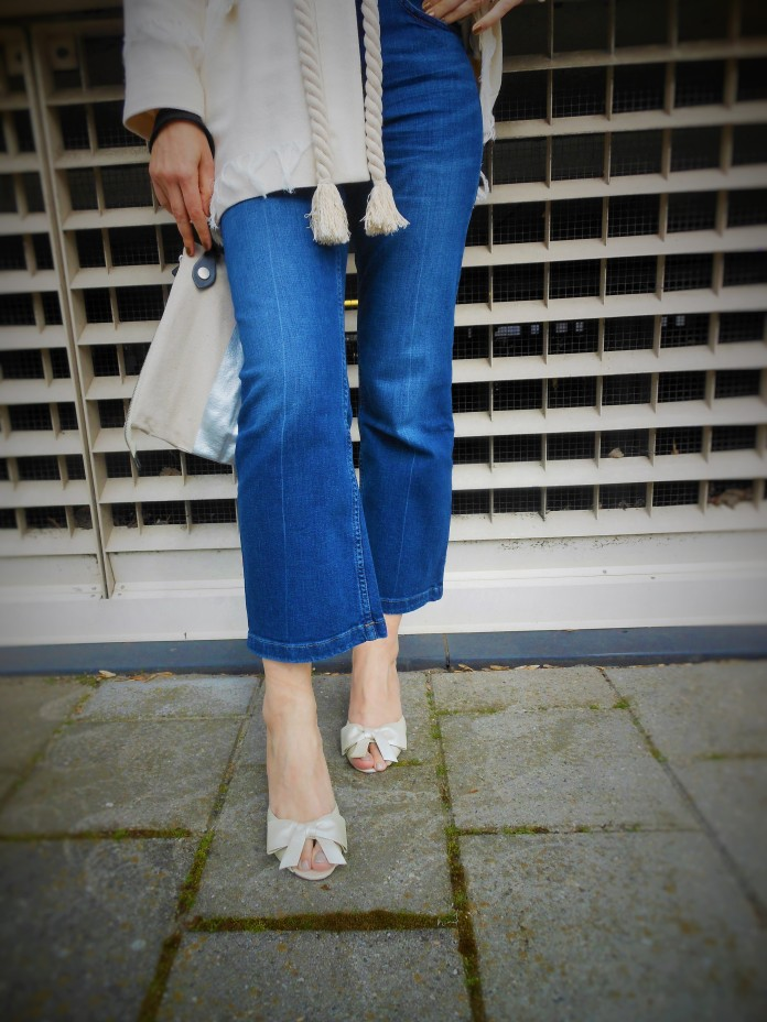 how to wear cropped flare jeans, how to wear cropped flared jeans