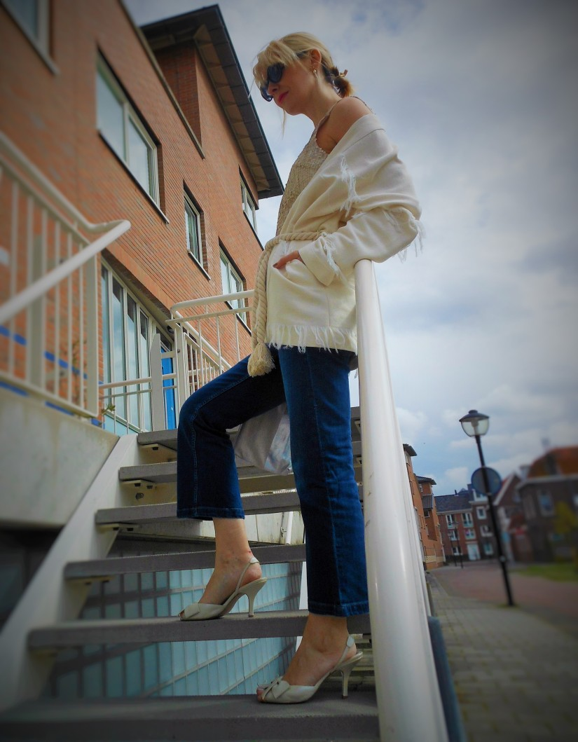 how to wear cropped jeans, denim trend, white blazer, fashion 2016