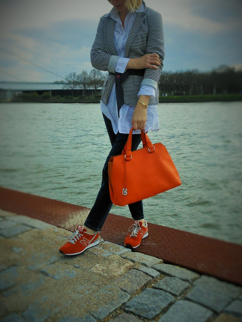 orange sneakers, orange bag, fashion blog