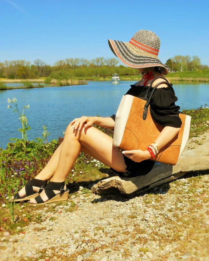 black orange summer outfit blogger