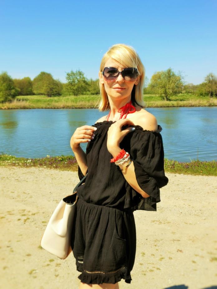 Carmen de Jong - Chasing the White Rabbit Fashion Blog