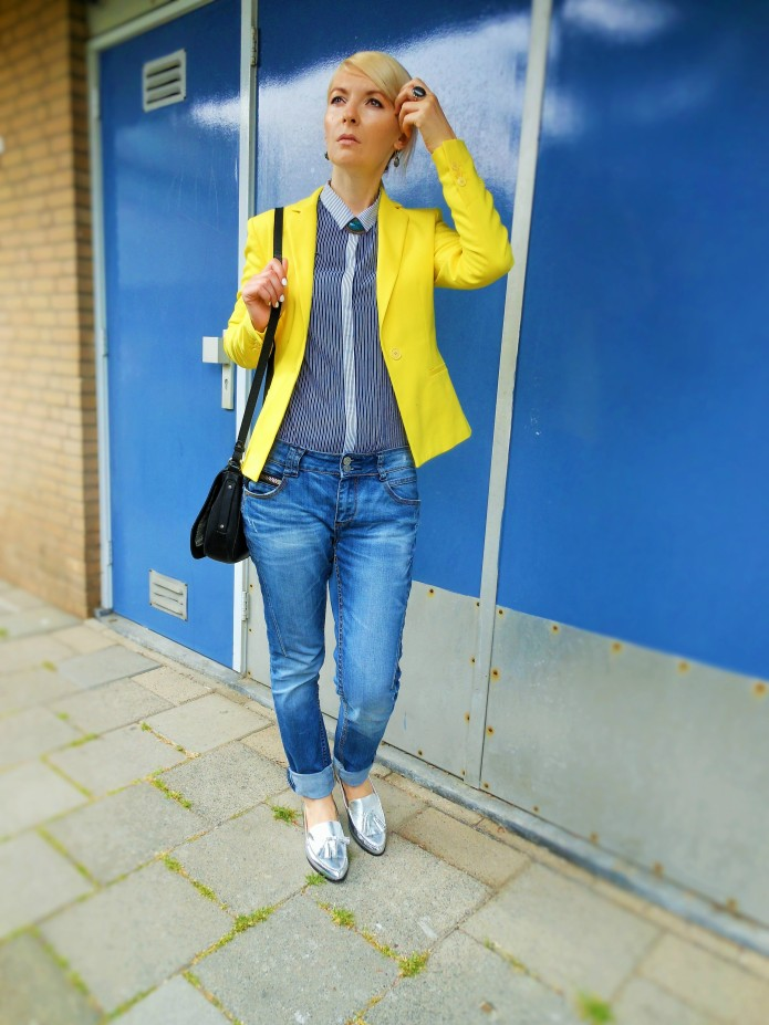 how to wear yellow fashion blogger