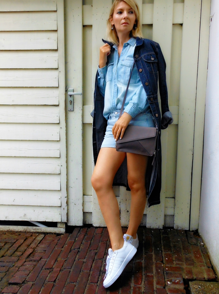Denim on denim trend blogger