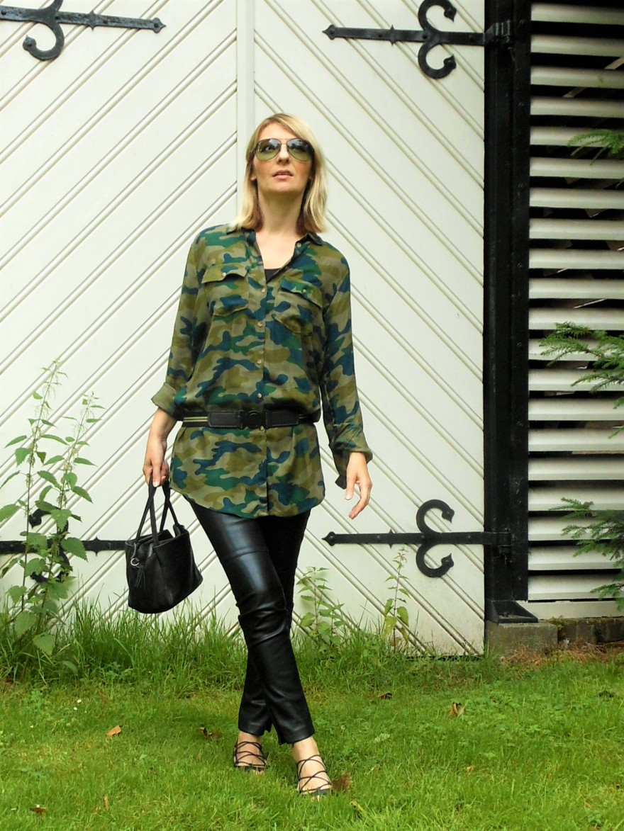 military trend fashion blogger