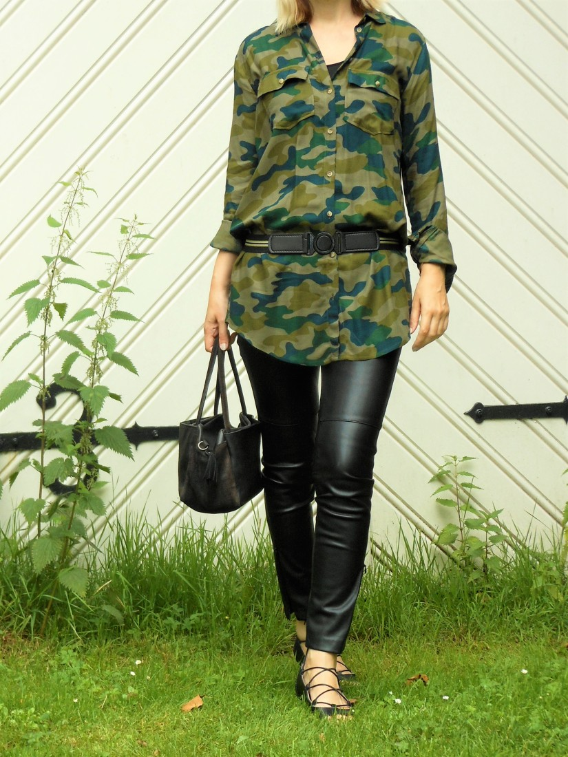 army look fashion blogger