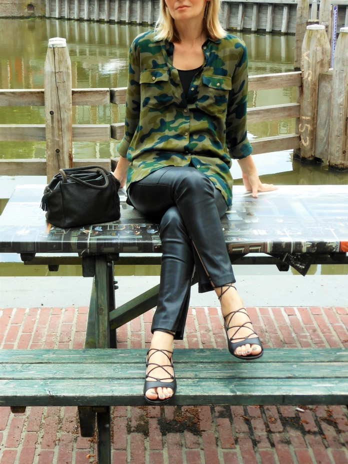 lace up sandals fashion blogger