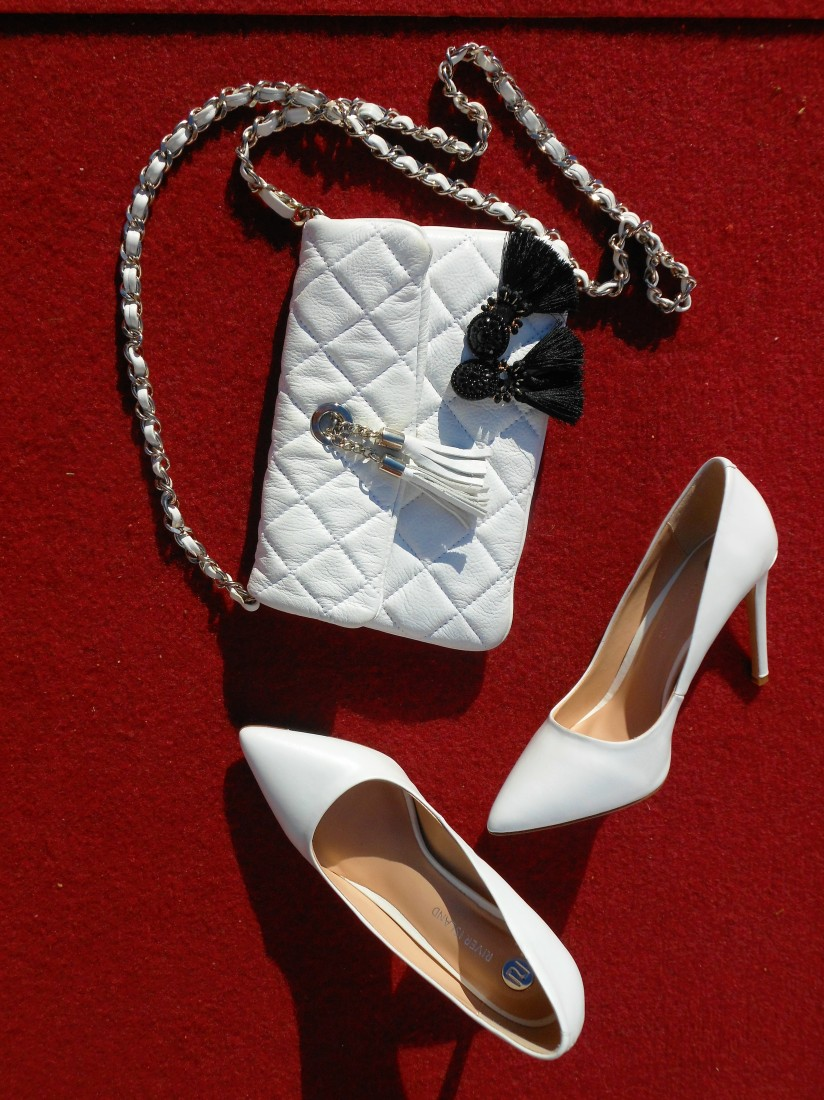 white leather accessoires, white leather accessories blogger