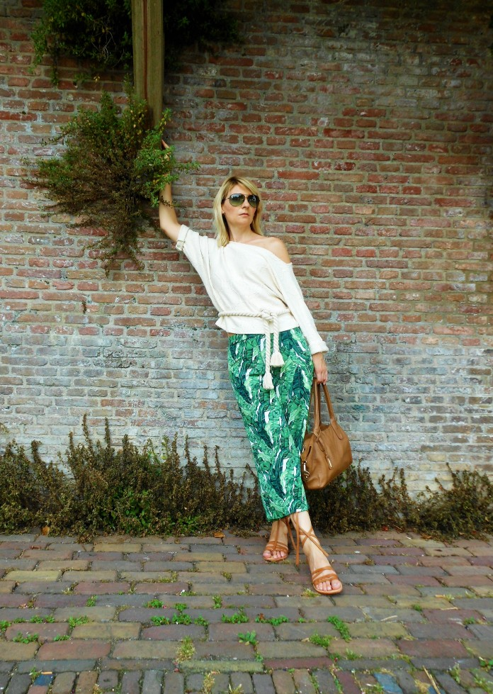 gree leaf print trousers blogger, botanic print, botanical print, green print, jungle print