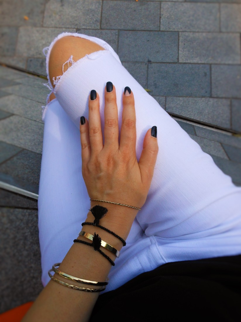 negative space nails, negative space nails fashion blogger, nail art fashion blogger