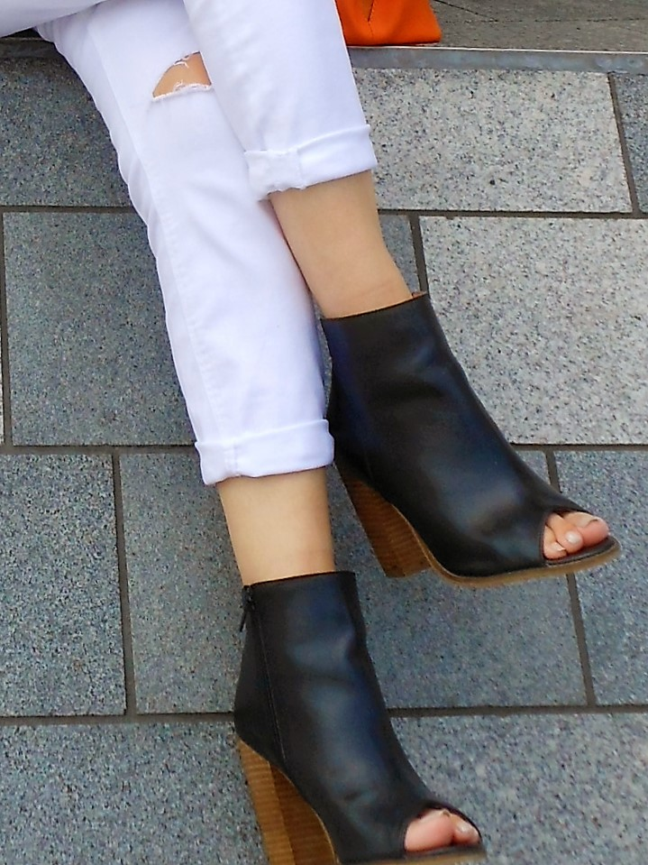 peep toes ankle boots fashion blogger