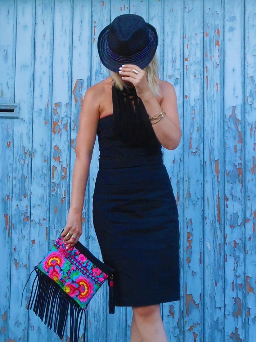 pencil skirt blogger