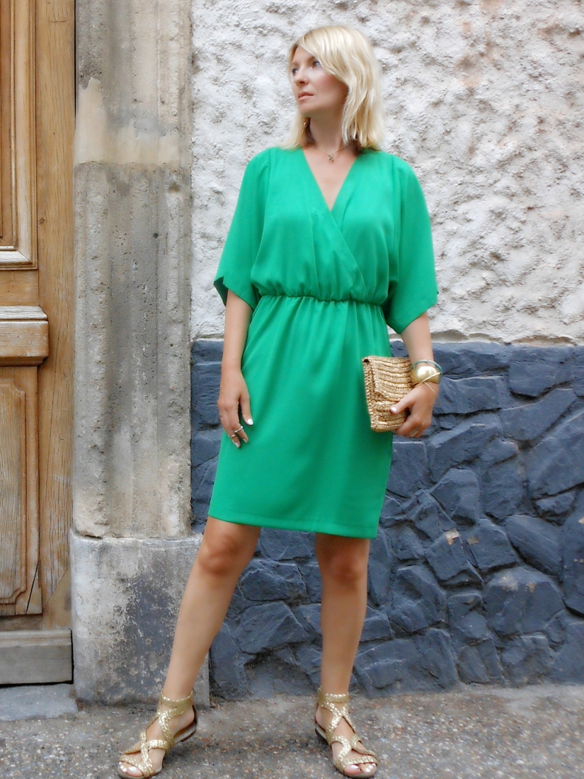 emerald green dress blogger, emerald green dress