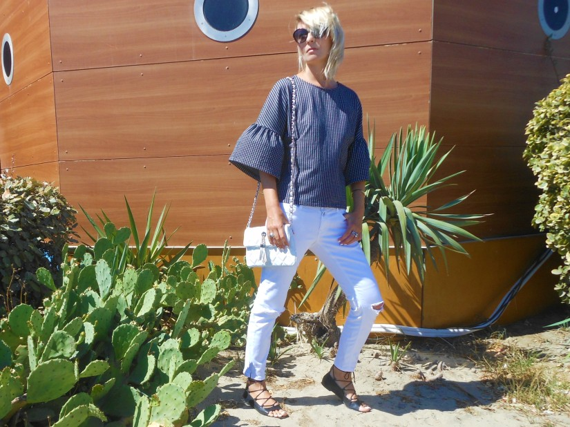white ripped jeans blogger, ripped jeans blogger, bellsleeves