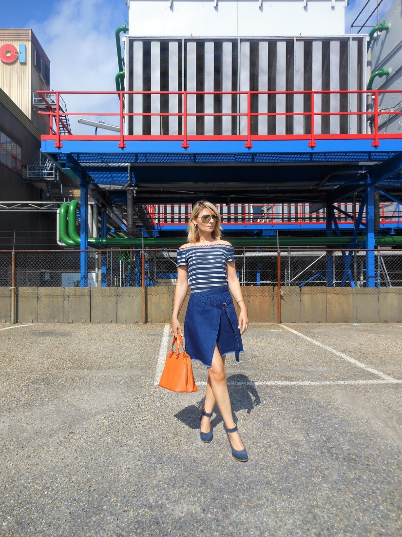 Carmen de Jong fashion blogger Chasing the White Rabbit Blog. Com