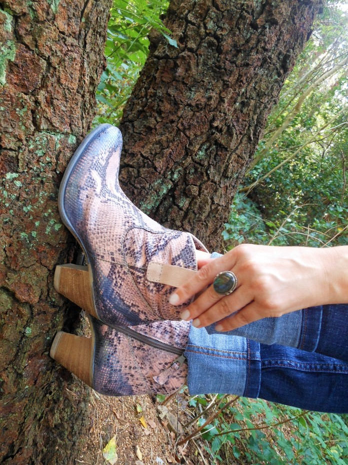 snake ankle boots, dusty pink boots, ankle boots blogger
