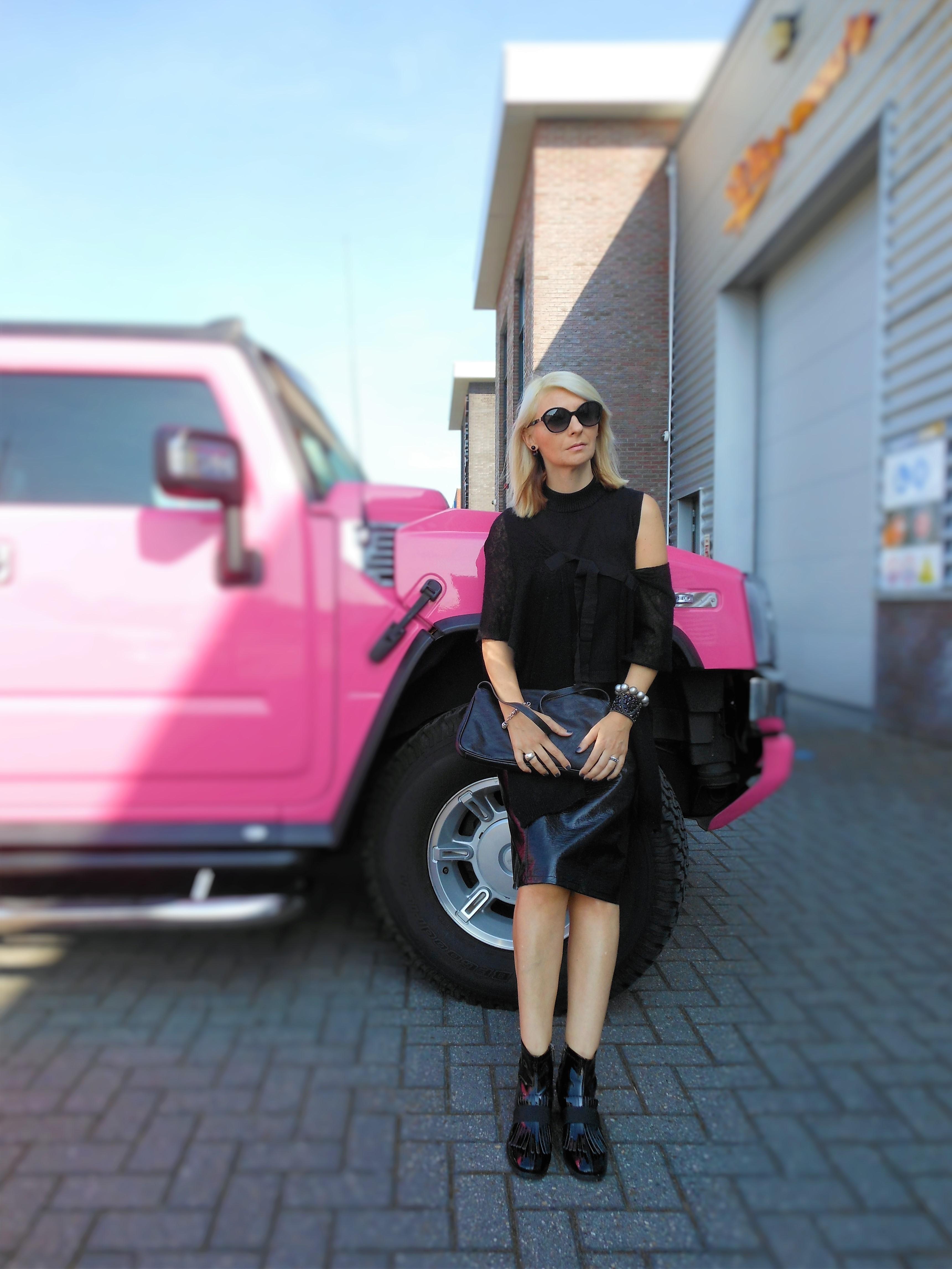 pink limo hummer, pink hummer, pink limo