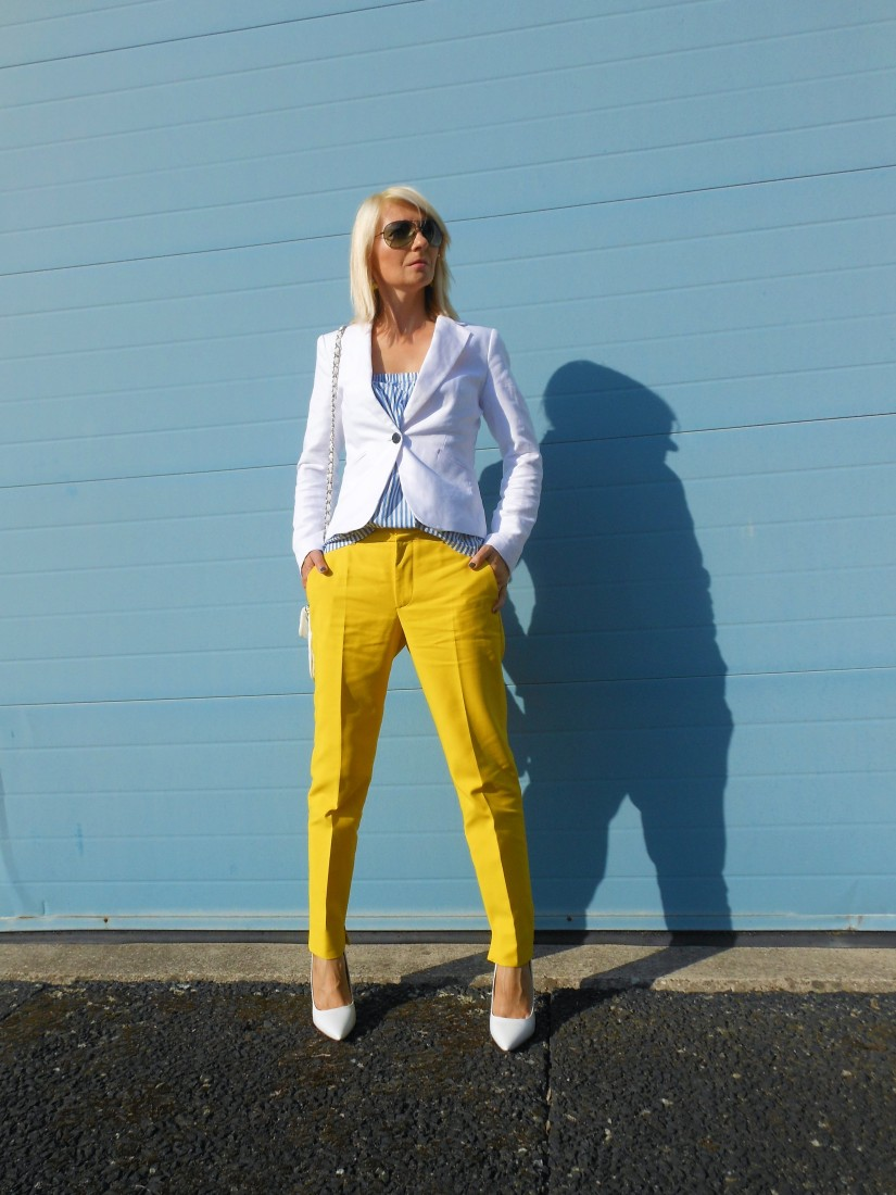 how to style yellow pants, ho to wear yellow pants