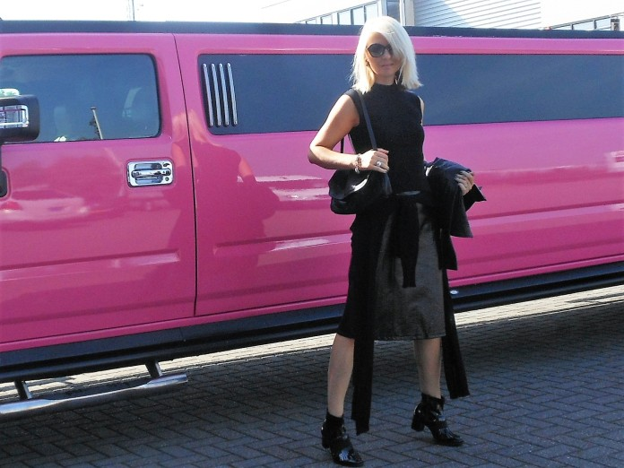 all black trend, all black fashion, all black fashion blogger, all black blogger