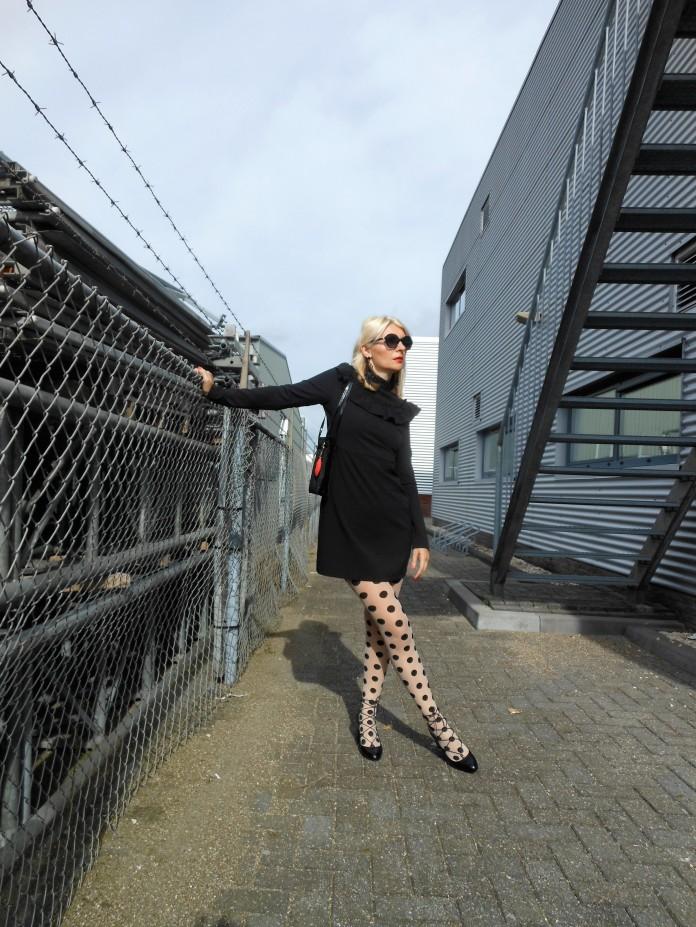 iconic dress, little black dress long sleeve, lbd blogger, iconic black dress