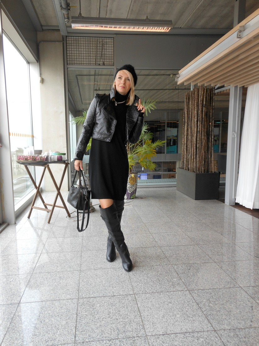how to wear over-the-knee boots fashion blogger, how to style over-the-knee boots blogger