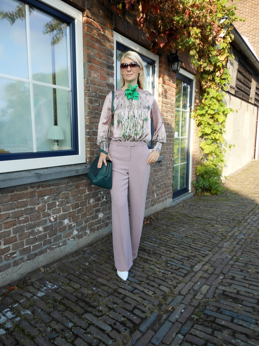 all pink, all pink blogger, how to wear all pink, all pink outfit blogger, all pink outfit