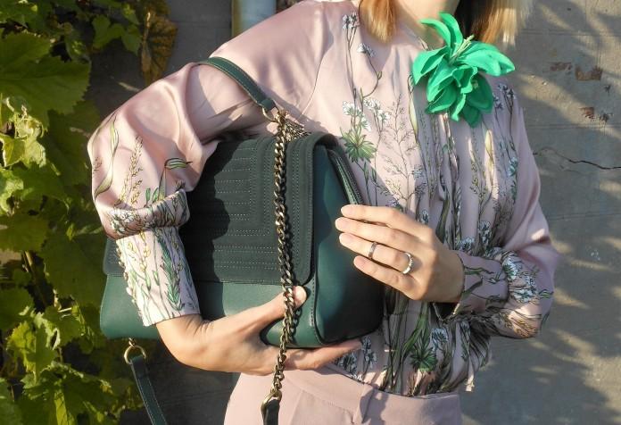 green bag, green bag blogger, Zara green bag, how to wear green bag, how to wear green bag blogger