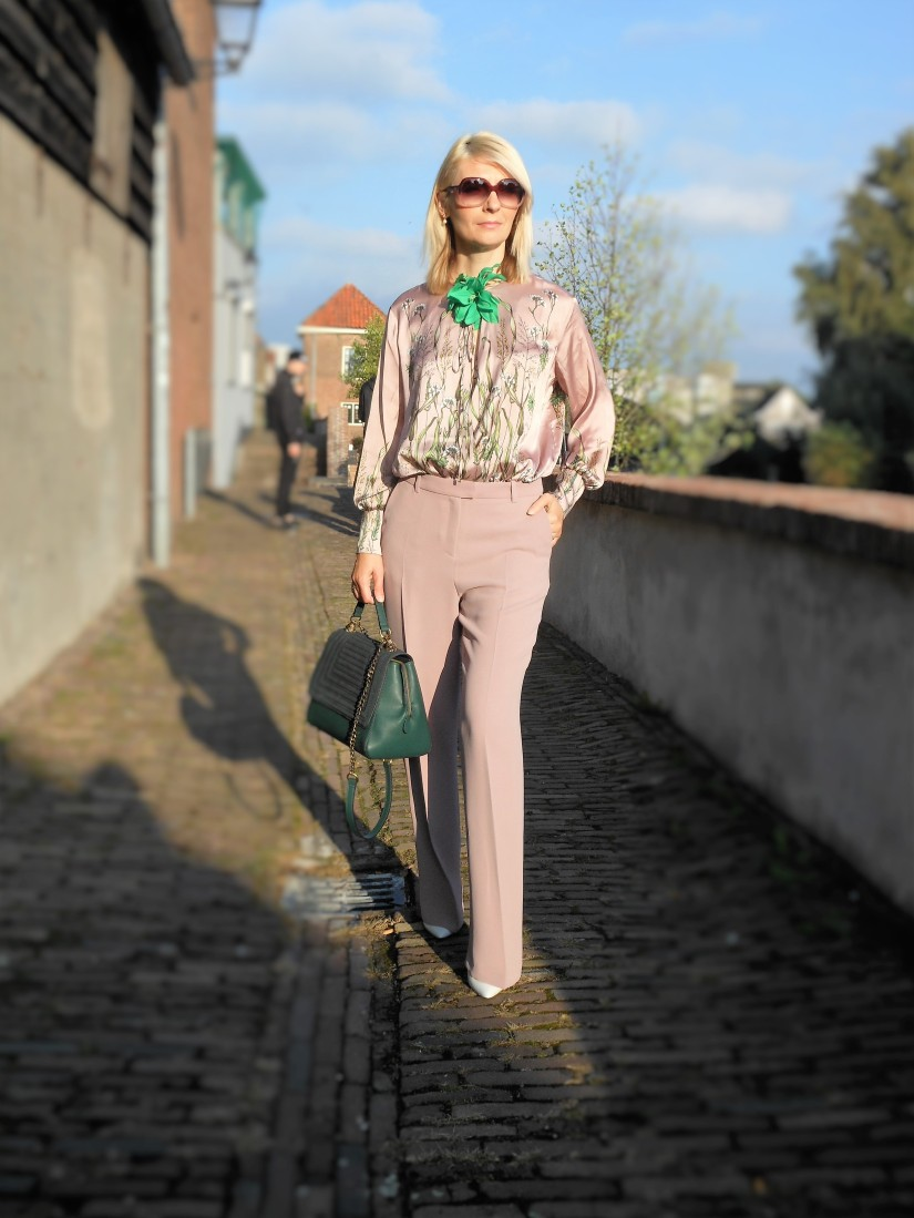dusty pink blogger, pink blogger, how to wear dusty pink blogger, how to wear pink blogger