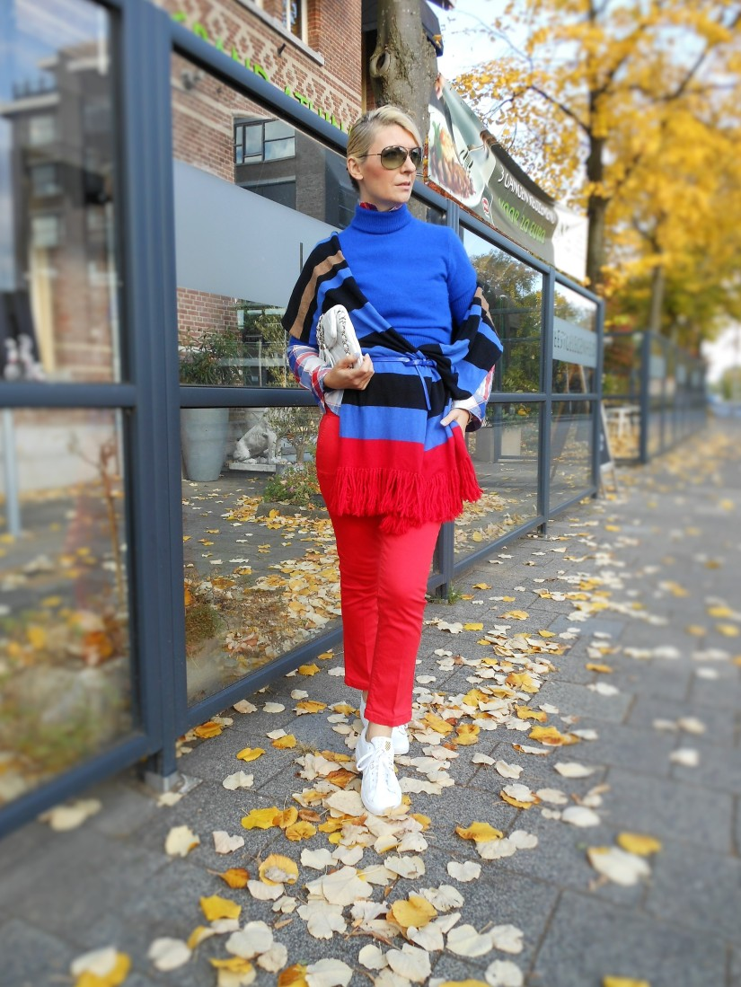 red jeans blogger, red pants blogger, how to wear red jeans, how to wear red pants