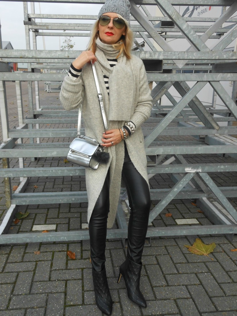 how to wear grey blogger, how to wear winter grey blogger, how to wear grey knits