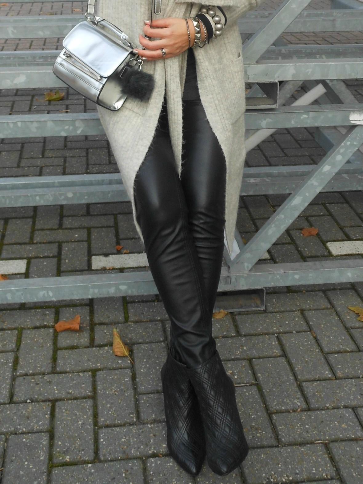 leather pants blogger, leather pants fashion blogger, how to wear leather pants winter, how to wear leather pants