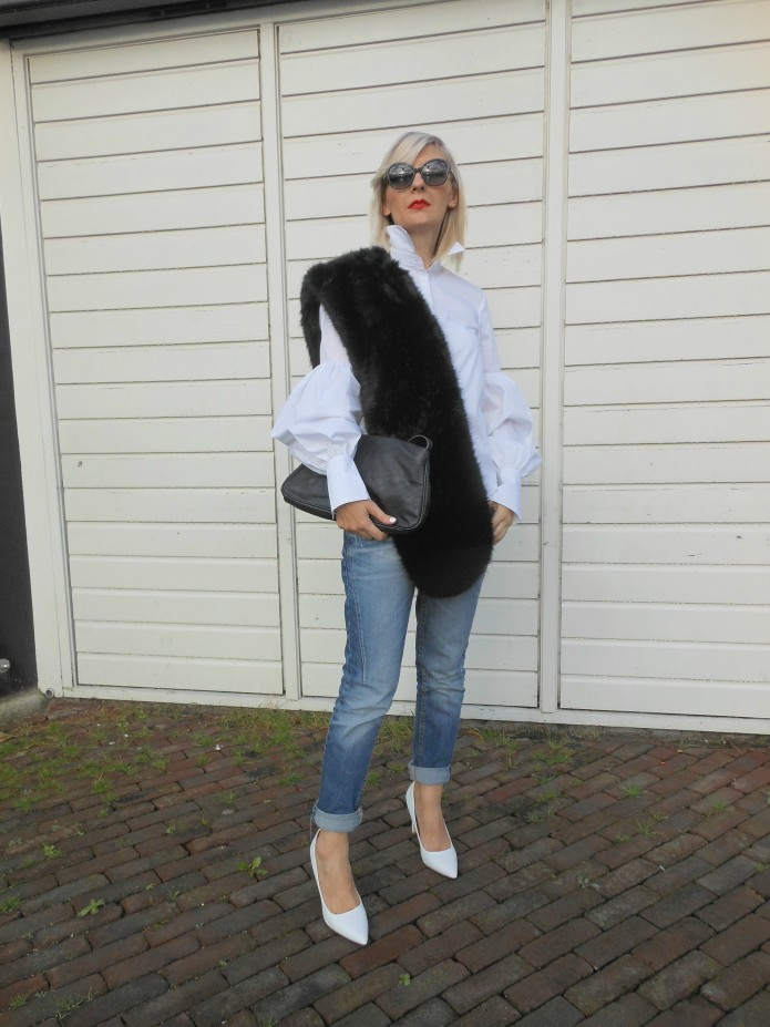 how to wear fake fur blogger, fake fur blogger, fake fur stole blogger