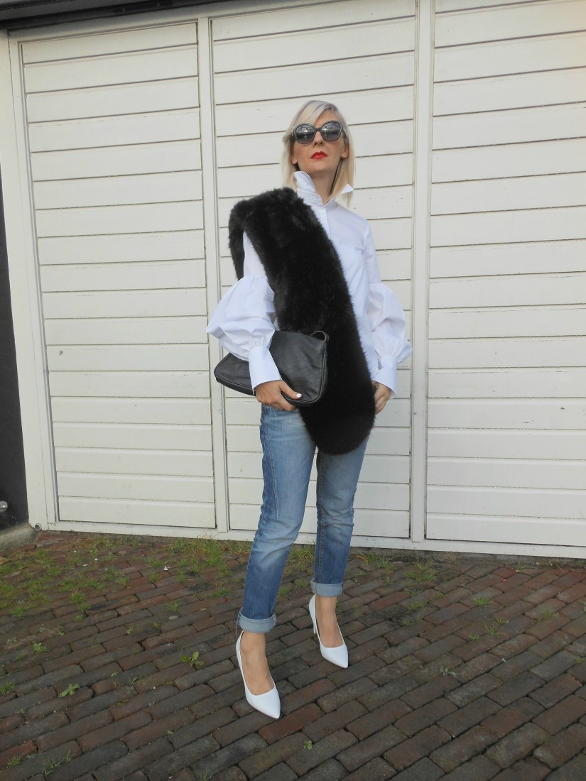 how to wear fake fur blogger, fake fur blogger, fake fur stole blogger