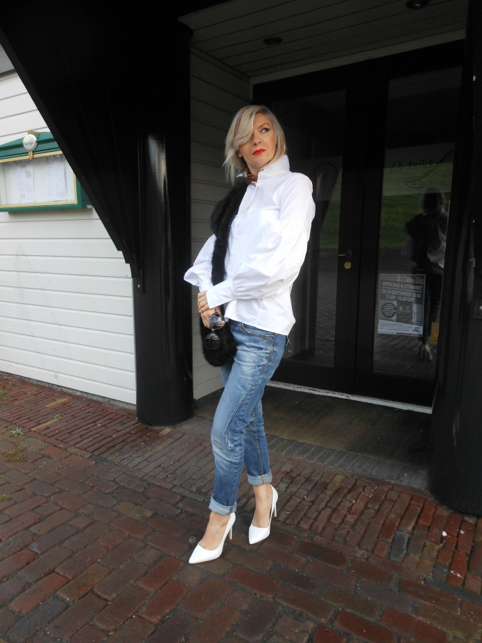 sophisticated look jeans blogger, how to style jeans blogger