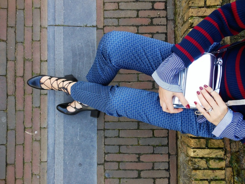 silver bag blogger, lace up shoes blogger, stripes sweater blogger