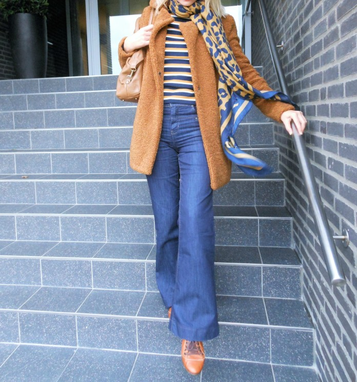 how to wear stripes blogger, how to wear striped shirt blogger, stripped top blogger