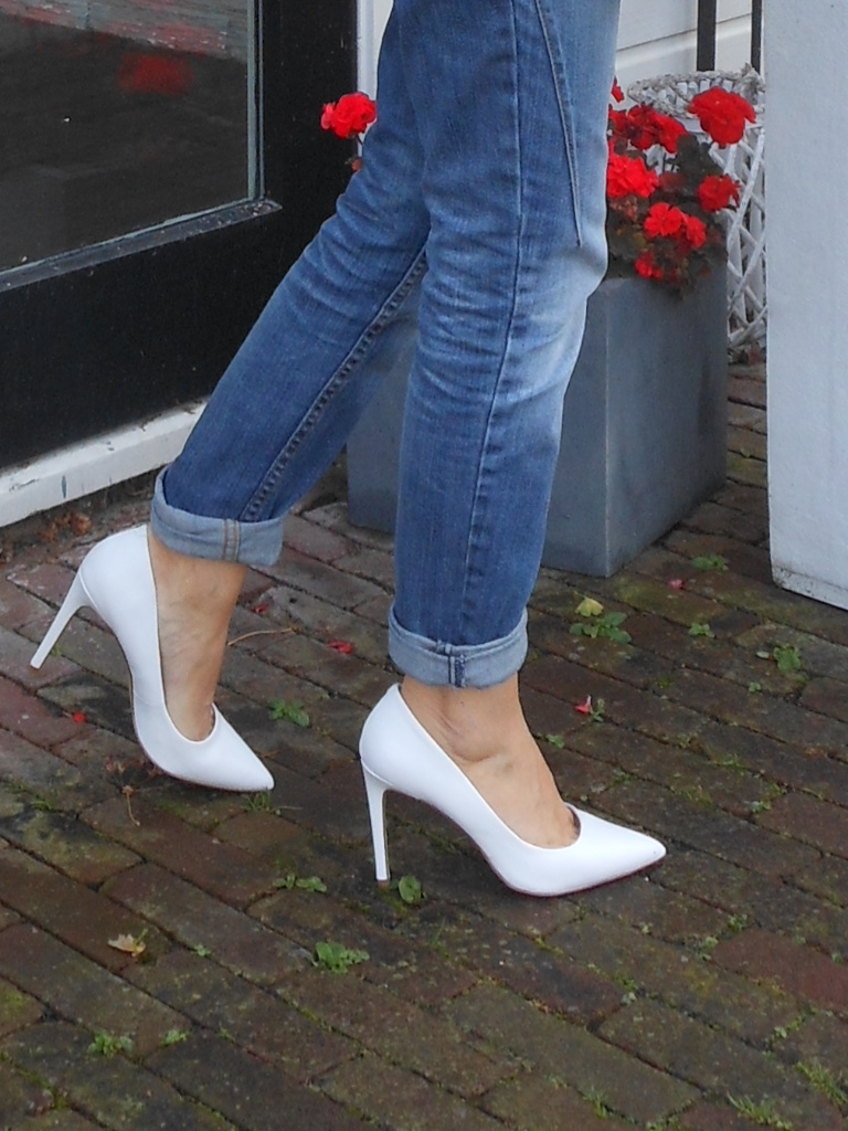 white pumps blogger, how to waer white heels, how to wear white pumps