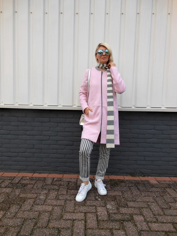gray and pink outfit, gray and pink blogger, how to wear gray and pink