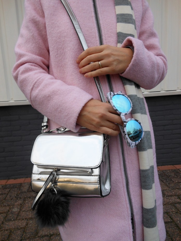 pink and silver outfit, pink and silver blogger, how to wear pink and silver