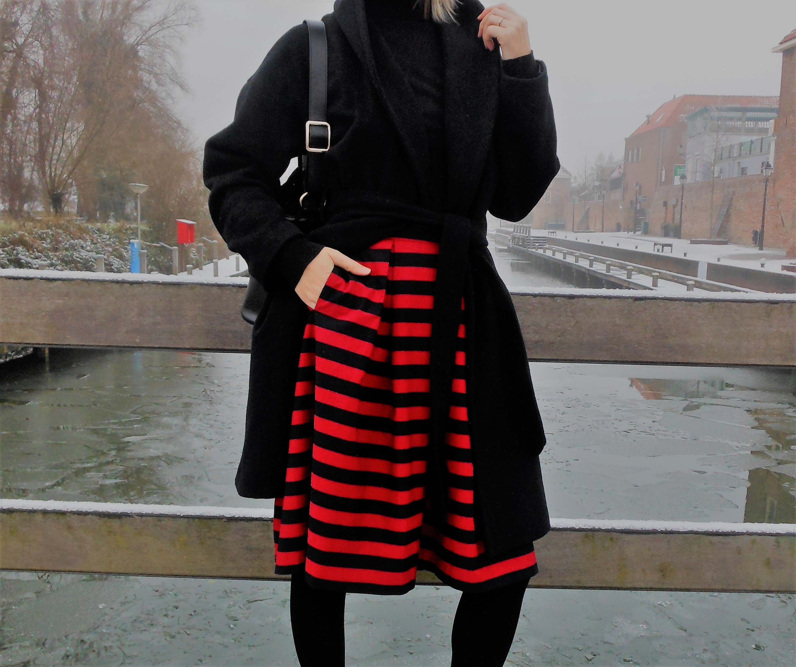 how to wear red skirt winter, how to wear red skirt blogger, red skirt blogger, red skirt winter