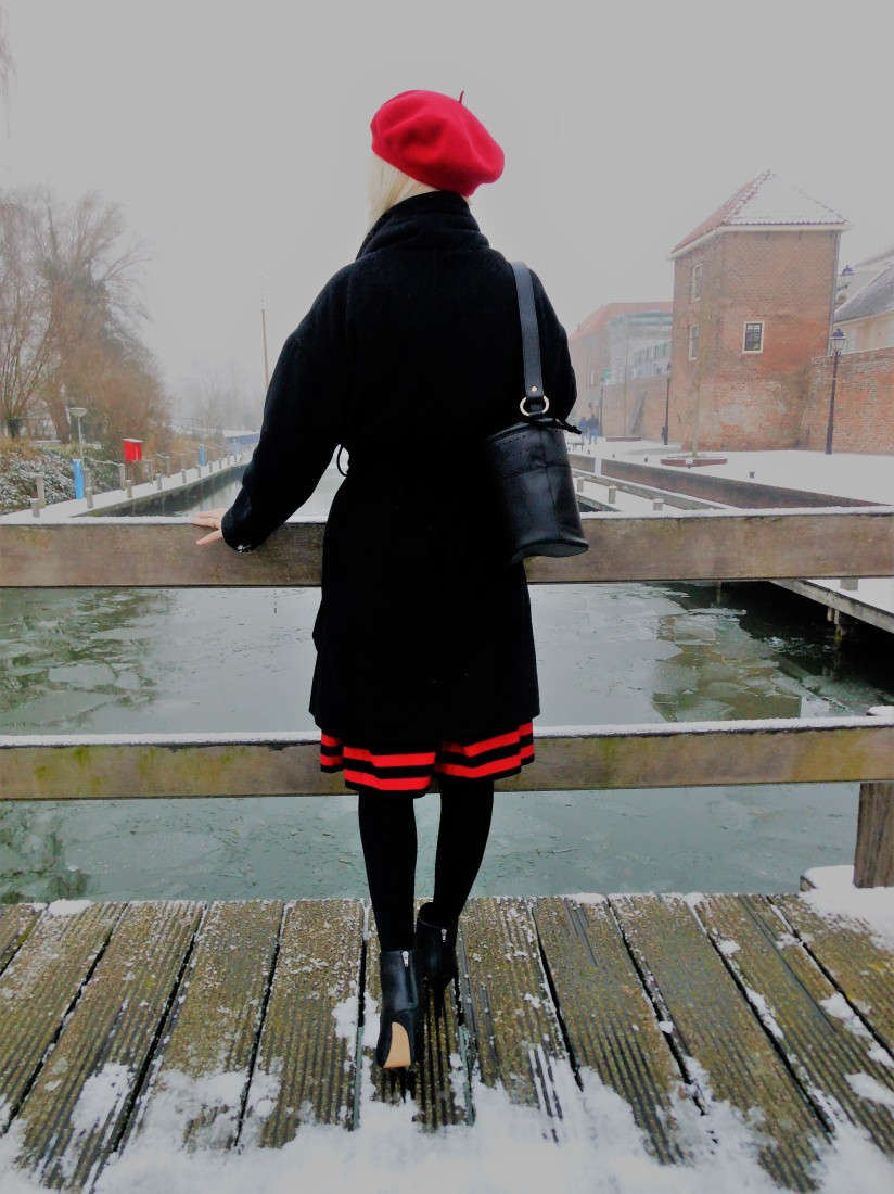 how to wear red and black winter, how to wear red and black blogger, red and black fashion, red and black blogger