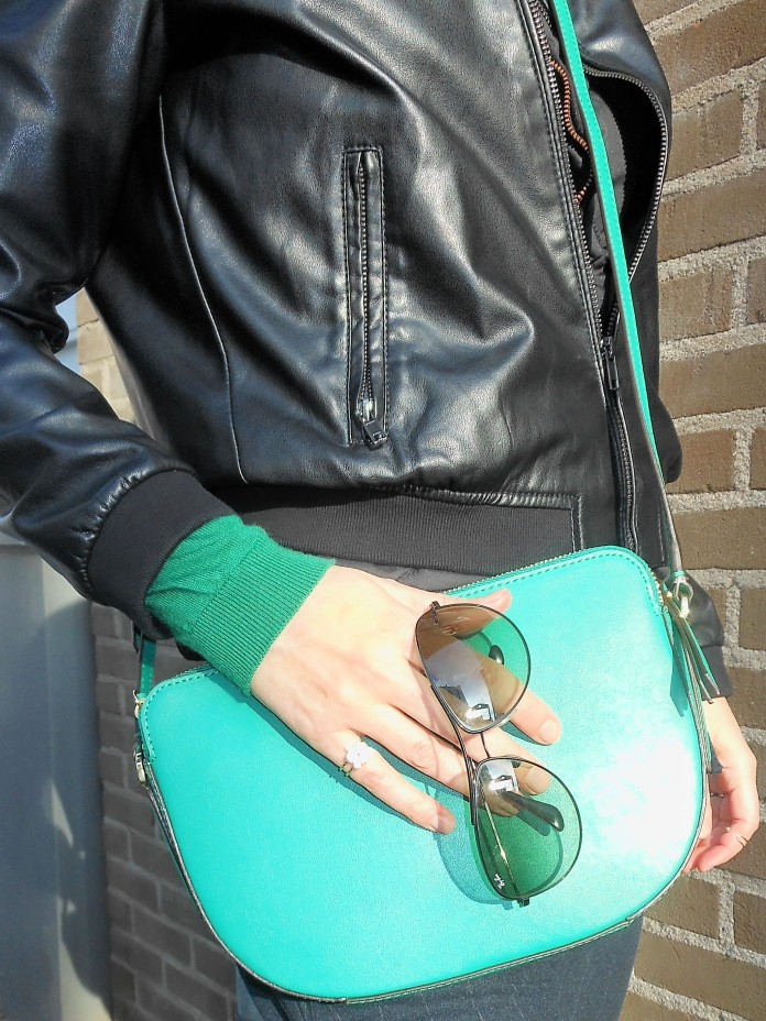 how to wear green, how to wear green blogger, green outfit blogger