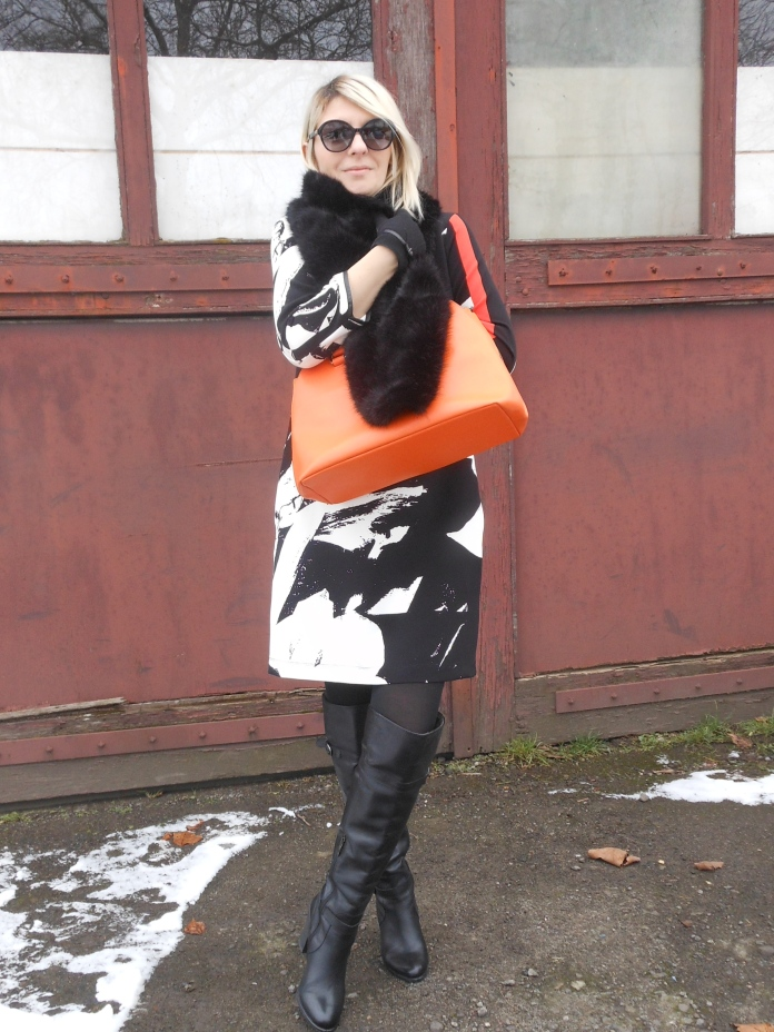 Carmen de Jong - fashion blogger Chasing the White Rabbit blog